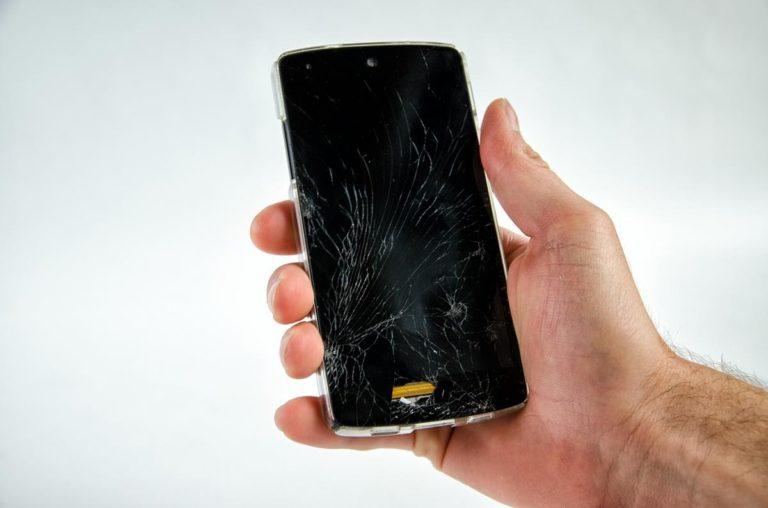 Kiedy warto naprawić telefon?