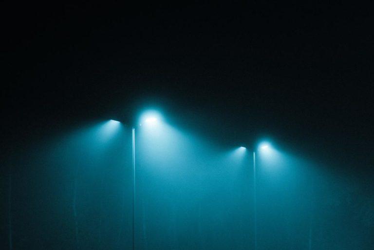 Co ma znaczenie przy wybieraniu ściemniaczy?