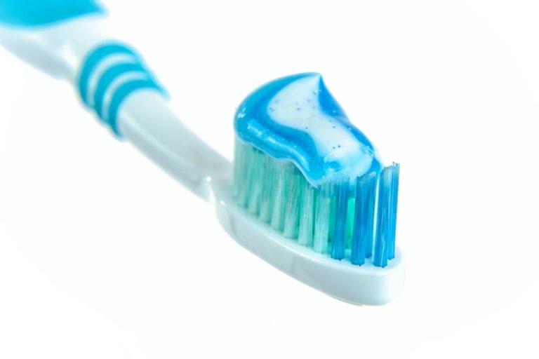 Jaki płyn do płukania jamy ustnej wybrać?